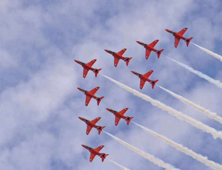 Red Arrows To Light Up North American Skies